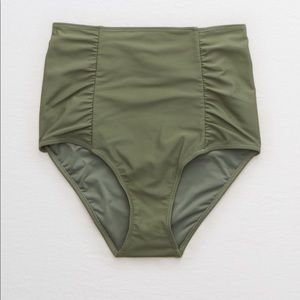 AE high waisted bottoms size M worn once